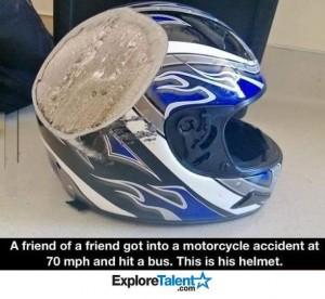 Kecelakaan helm rusak otoborn
