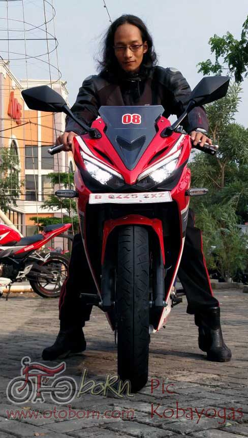 Honda All New CBR150R 2016 otoborn.com depan led 02