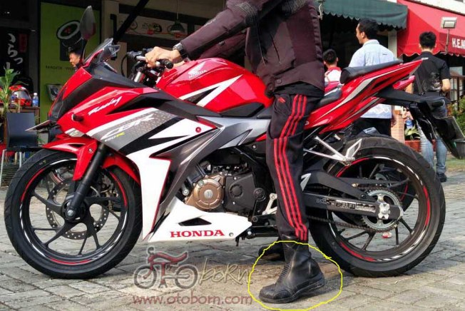 Honda All New CBR150R 2016 otoborn.com kiri MARK2