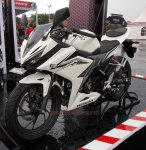 all new cbr150r white otoborn 04