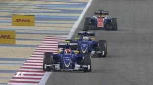 Pascal Wehrlein fight for 10 BahrainGP 2016