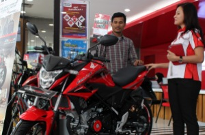 Honda All New CB150R StreetFire AHM-01