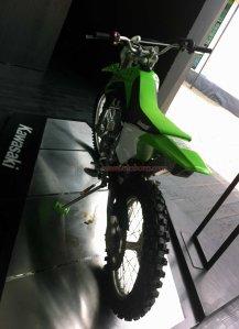Kawasaki KLX Off The Road belakang