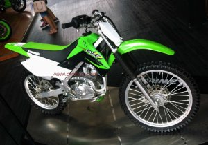 Kawasaki KLX Off The Road kanan atas