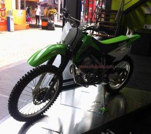 Kawasaki KLX Off The Road kiri