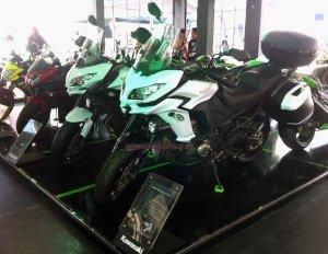 Kawasaki Versys 1000 kiri depan