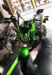 Kawasaki Z125 Depan kiri