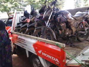 Daya Adicipta Motora DAM evakuasi sepeda motor banjir garut