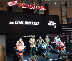 Honda New CBR250RR RC213V-S CBR1000RR Fireblade IMOS2016