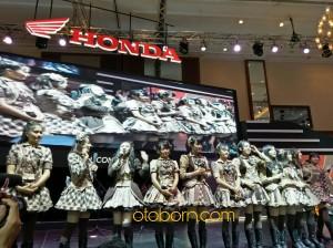 JKT48 Booth Honda IMOS2016