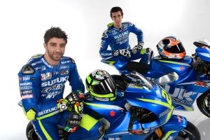team-suzuki-motogp-2017-iannone-rins-gsx-rr-009